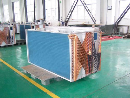 热交换器、翅片式热交换器